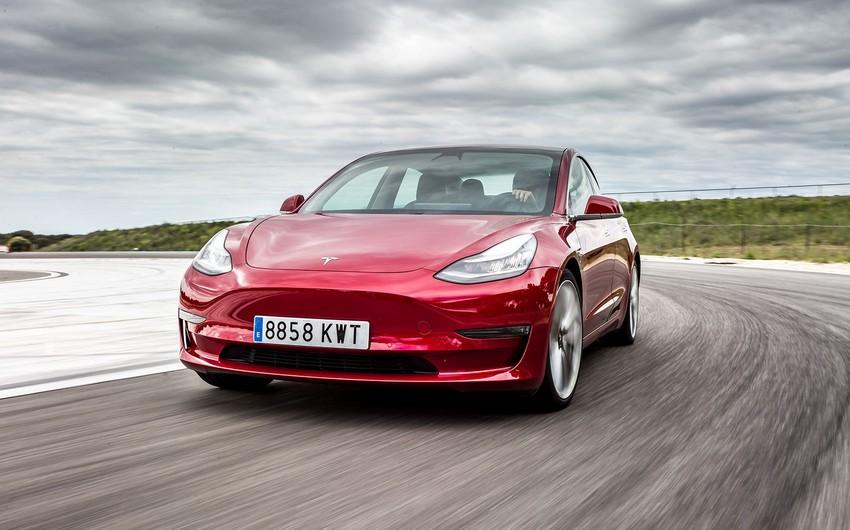 Tesla откажется от производства базовой версии Model 3
