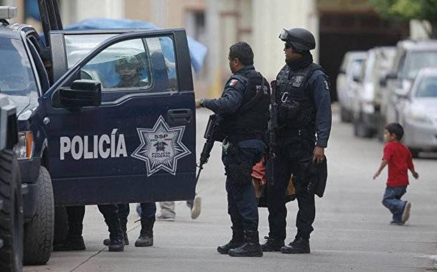 Meksikada musiqi festivalı zamanı baş verən atışmada 5 nəfər öldürülüb