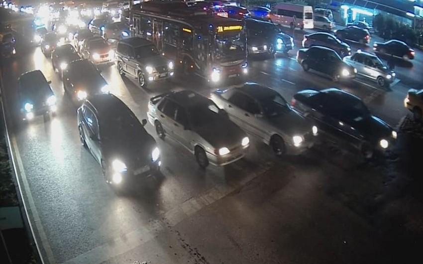 BNA: Qara Qarayev prospekti ilə Əli Vəliyev küçəsində sıxlıq var - FOTO