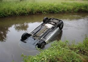 В Шабране Опель съехал в Самур-Абшеронский канал, есть погибший