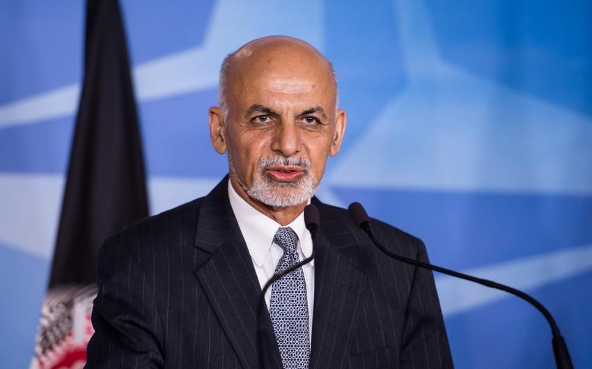 Əfqanıstan prezidenti Kabildə ABŞ-ın müdafiə naziri ilə danışıqlar aparıb
