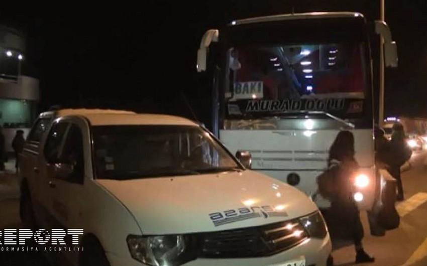 Kürdəmirdə Azərsuya məxsus avtomobil avtobusla toqquşub - FOTO - VİDEO - ƏLAVƏ OLUNUB
