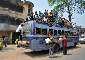13 killed after auto-bus crash in India