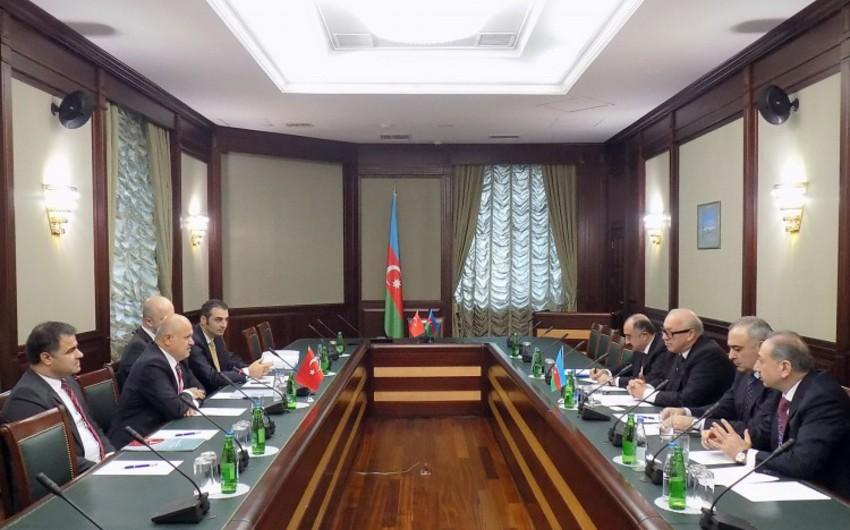 Türk Hava Yollarının İdarə Heyətinin sədri Bakıya gəlib