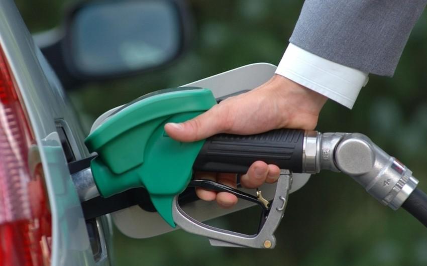 ABŞ-da benzinin payız qiymətləri son 4 ilin rekord səviyyəsinə çatıb