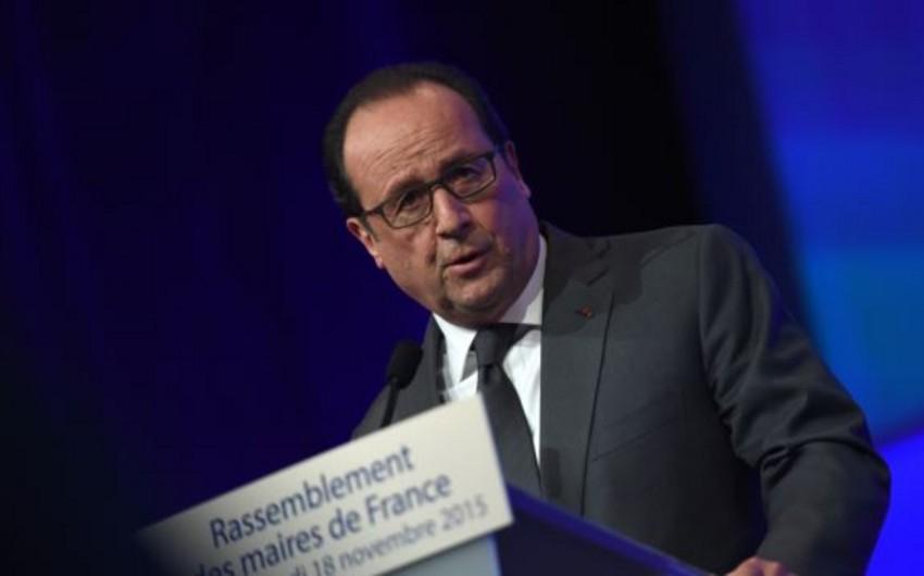 Fransua Olland: Fransa terrorizmlə müharibə aparır
