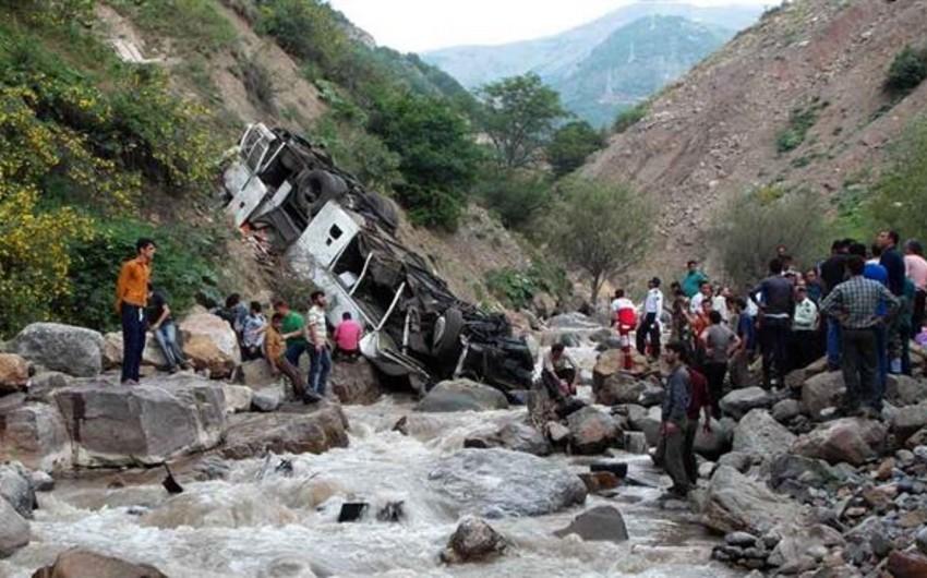 İranda ağır yol qəzası nəticəsində 19 hərbçi həlak olub - YENİLƏNİB