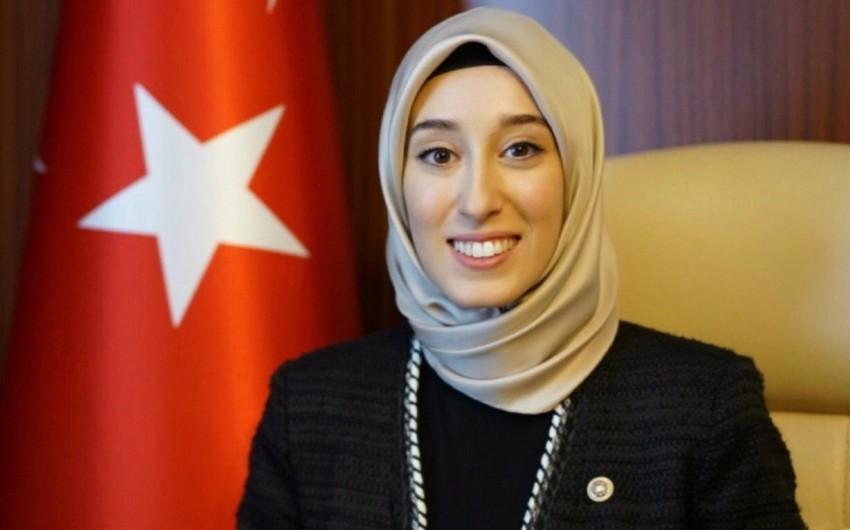 Dünyanın ikinci ən gənc deputatı qəzaya düşdü - FOTO