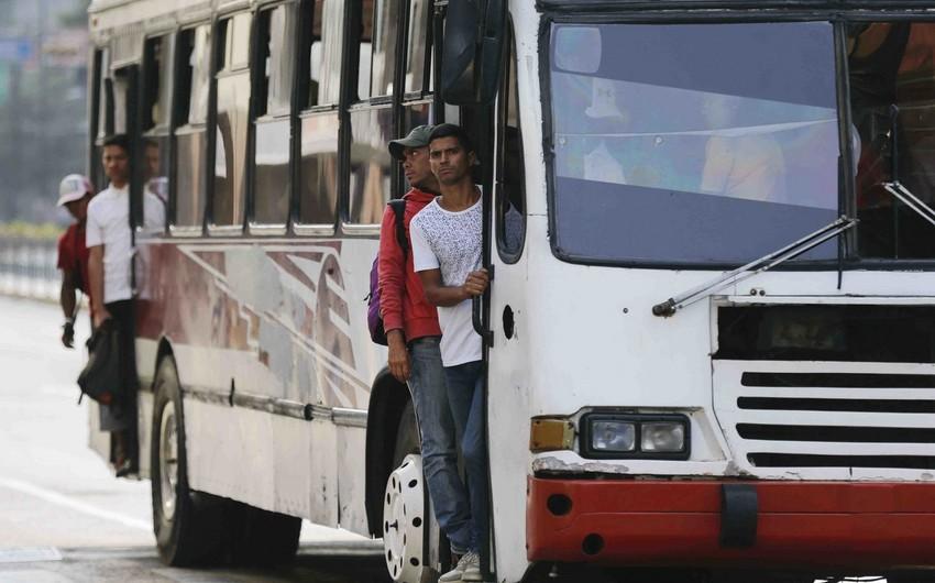 Venesuelada avtobus yoldan çıxaraq aşıb, 16 nəfər ölüb