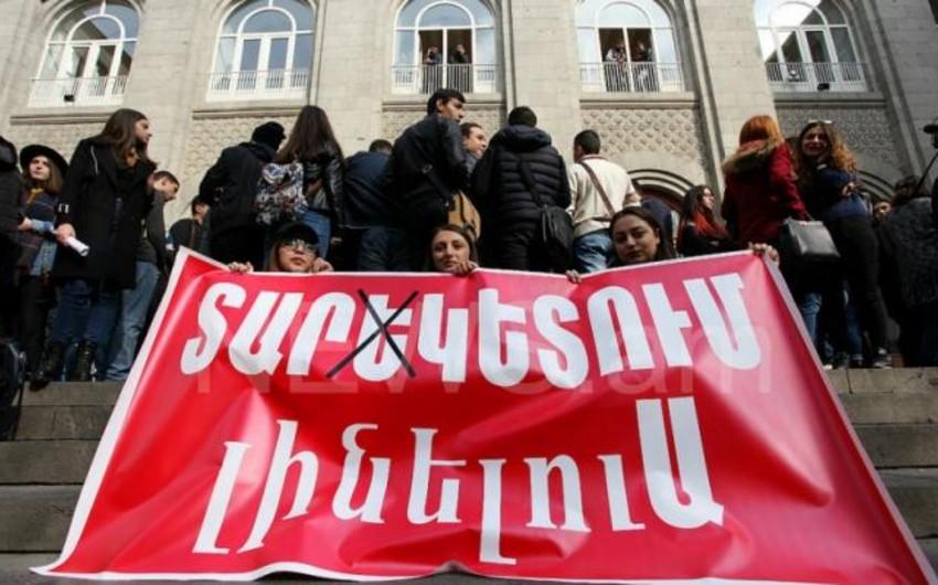 Ermənistanda tələbələr yenidən aclıq aksiyası keçirir