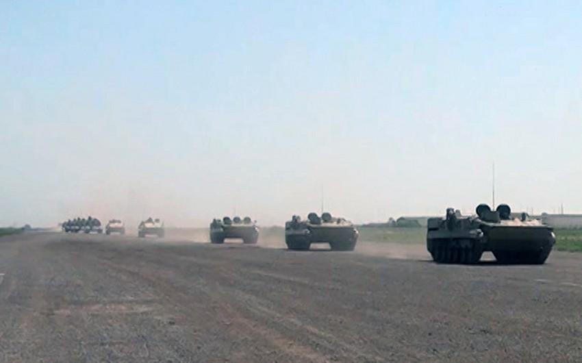 МО: Ракетные и артиллерийские подразделения выдвигаются по обозначенным маршрутам
