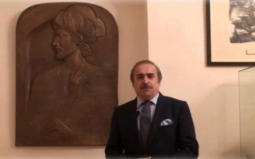 Надгробный барельеф Насими передан Литературному музею Азербайджана