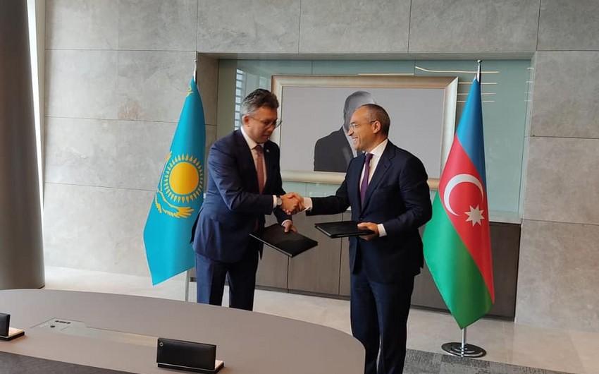 Azərbaycan və Qazaxıstan arasında ticarət əməkdaşlığı üzrə memorandum imzalanıb