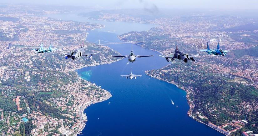 Azərbaycan qırıcıları İstanbul səmasında nümunəvi uçuşlar həyata keçirib