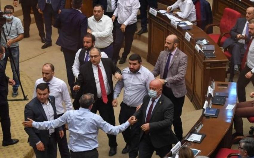 Ermənistanın Xüsusi İstintaq Xidməti parlamentdəki qarşıdurmaları araşdıracaq