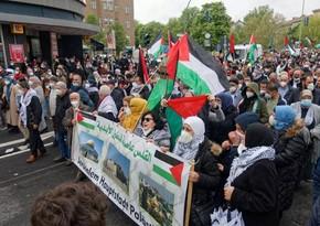 На демонстрации в поддержку Палестины в Берлине пострадали 93 полицейских
