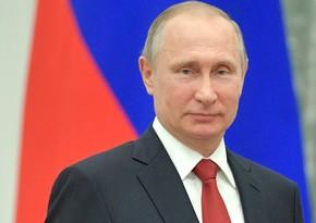 Putin konstitusiyaya dəyişikliklər haqqında fərmanı imzalayıb