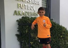 """""""Qalatasaray""""ın 9 yaşlı azərbaycanlı futbolçusu: """"Bura böyük uğurlara imza atmaq üçün gəlmişəm"""" - VİDEO"""