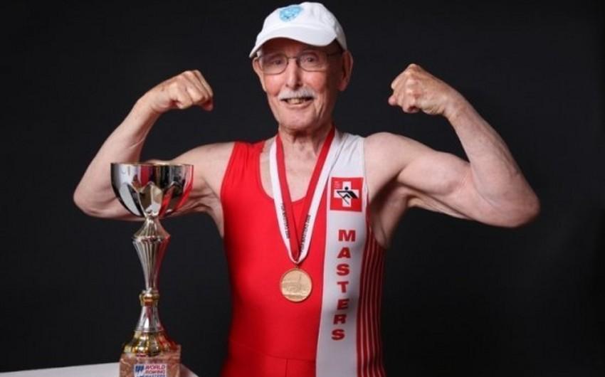 95 yaşlı idmançı yeni dünya rekorduna imza atıb