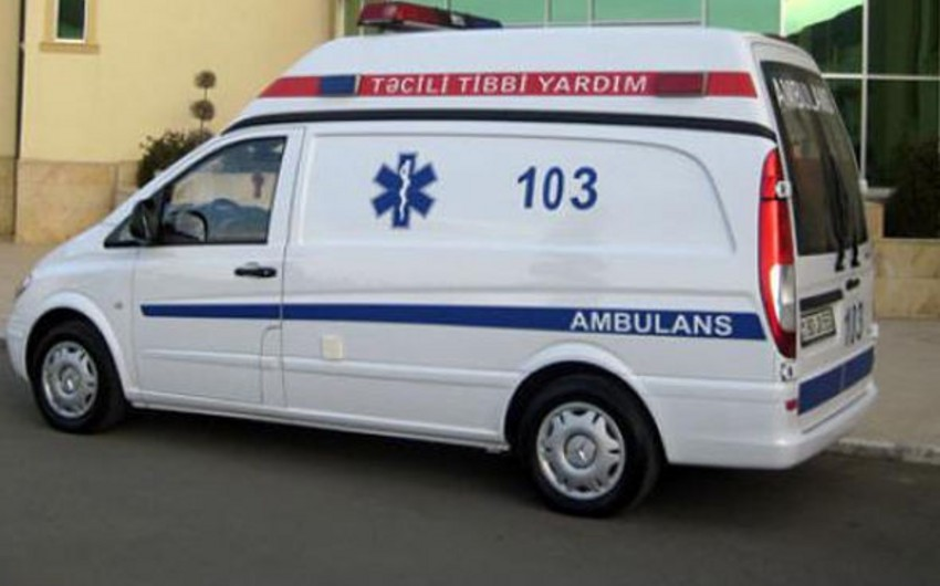 Bakıda 42 yaşlı kişi boğaz nahiyəsinin kəsilmiş xəsarəti ilə xəstəxanaya gətirilib