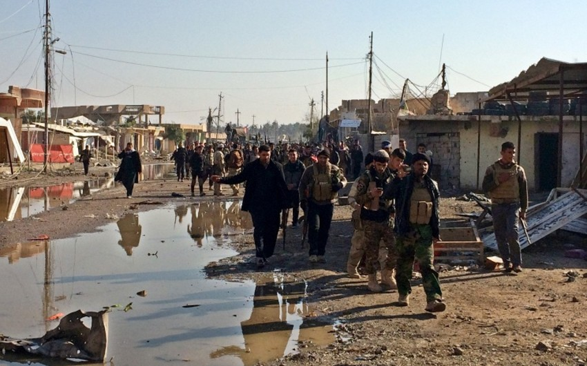 İŞİD İranla sərhəddən 40 km kənara çəkilib