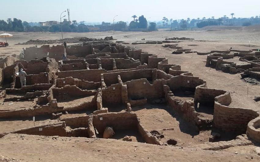 Misirdə 3 min yaşı olan qədim şəhər tapıldı - FOTO