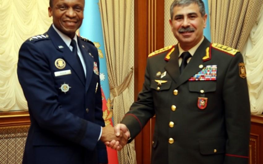 Zakir Həsənov ABŞ-ın nəqliyyat komandanı ilə görüşüb