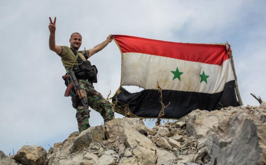 Suriyanın İdlib şəhərinin əhalisi bölgəni tərk edir
