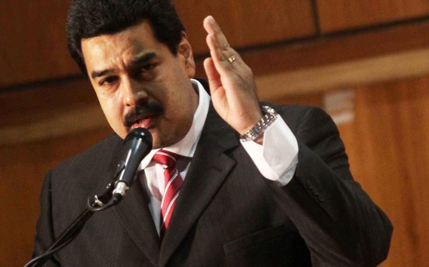 Venesuela prezidenti Twitteri faşizmdə ittiham edib