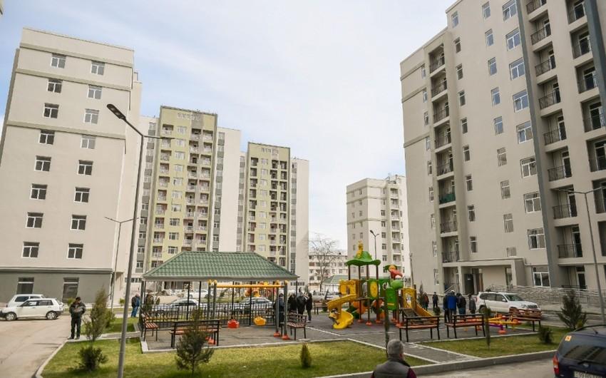 Пострадавшим от армянского террора в Гяндже выдали новые квартиры