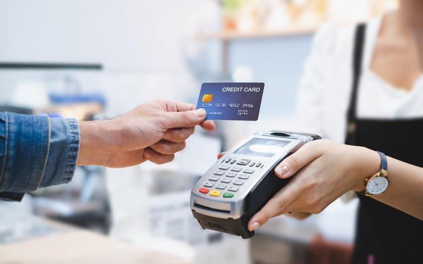 Xaricilərin Azərbaycanda bank kartları ilə xərcləmələri 62% azalıb