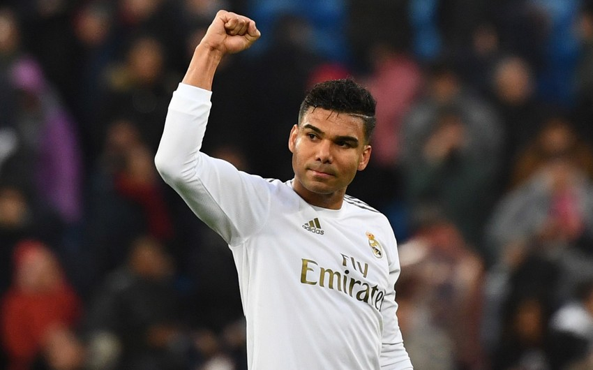Real Madrid renews contract with Casemiro