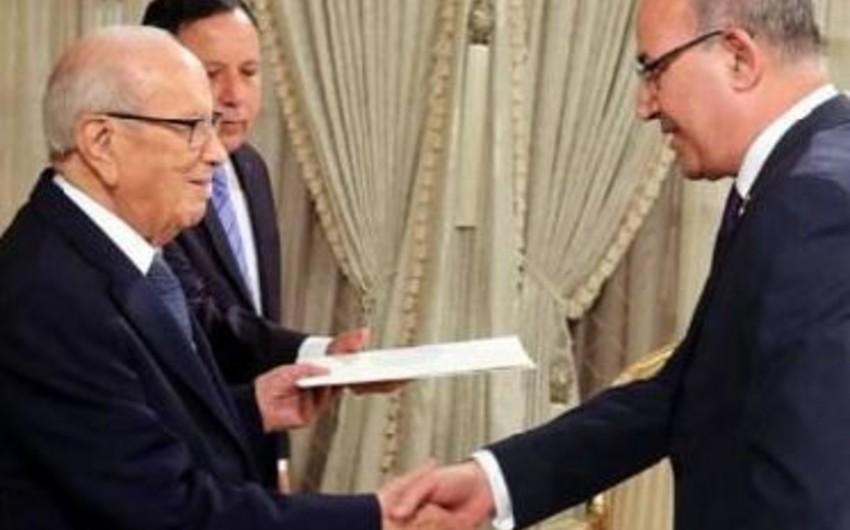 Azərbaycanın yeni səfiri etimadnaməsini Tunis prezidentinə təqdim edib