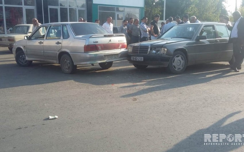 Cəlilabadda minik avtomobilləri toqquşub