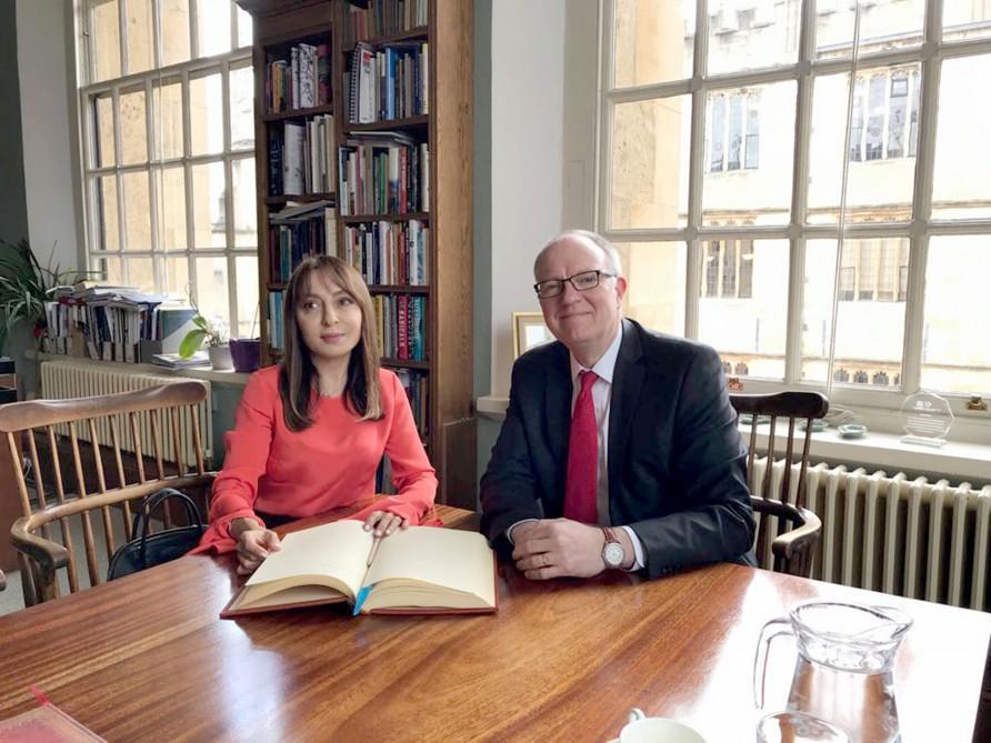 Nərgiz Paşayeva Oksford Universitetinin Bodleyn Kitabxanasının direktoru ilə görüşüb