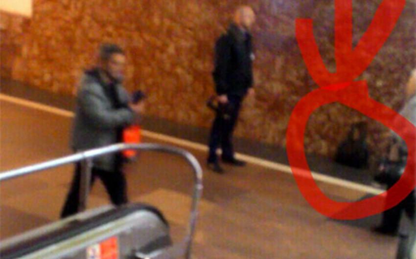 KİV: Sankt-Peterburqda metro stansiyasında partlayıcı qurğu tapılıb