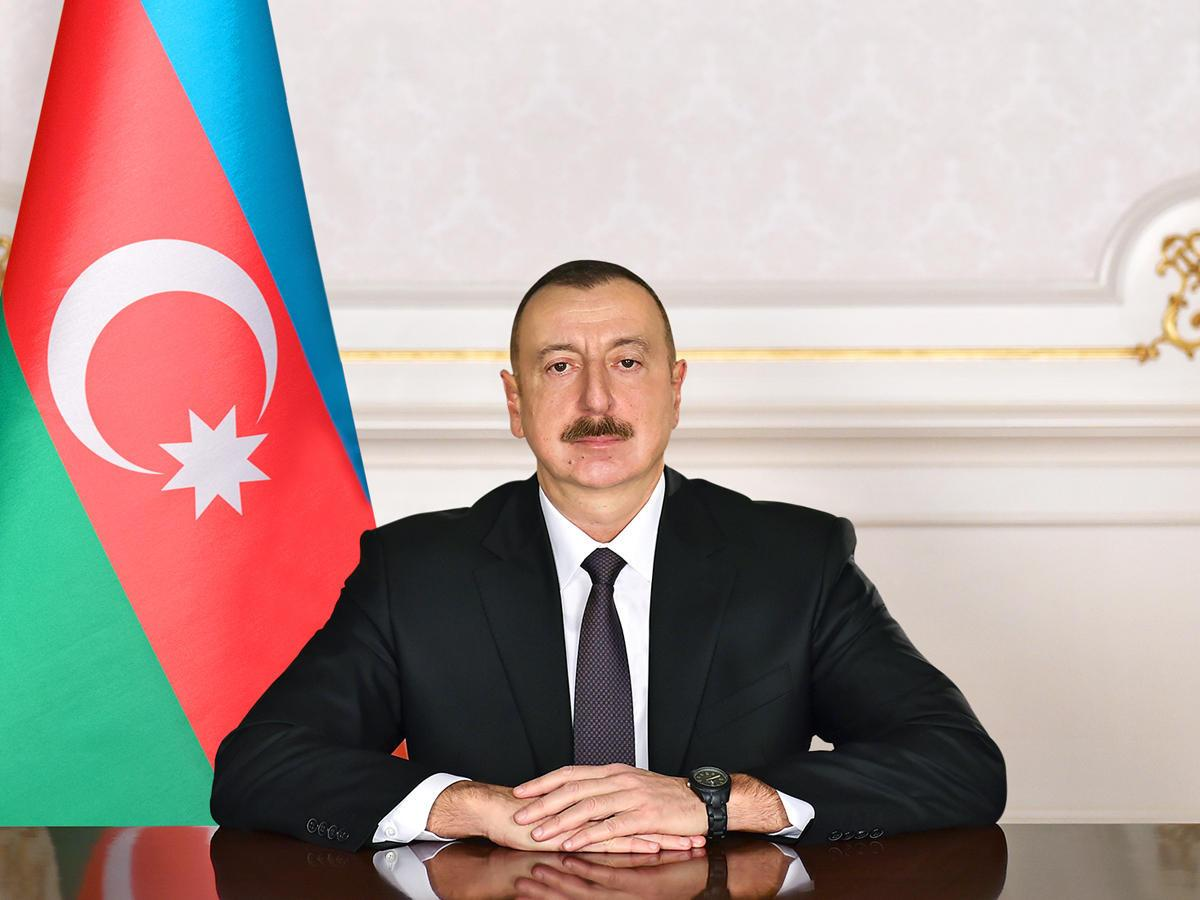 President Ilham Aliyev grants apartment to People's Artist