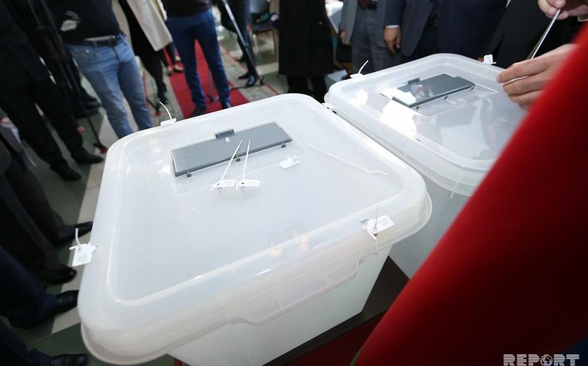 Число обратившихся для участия в парламентских выборах партий достигло 20-ти