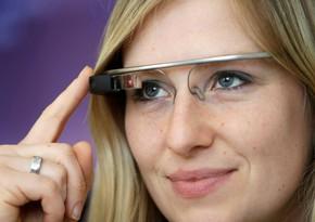 В Испании представили умные очки, способные распознавать лица и измерять температуру