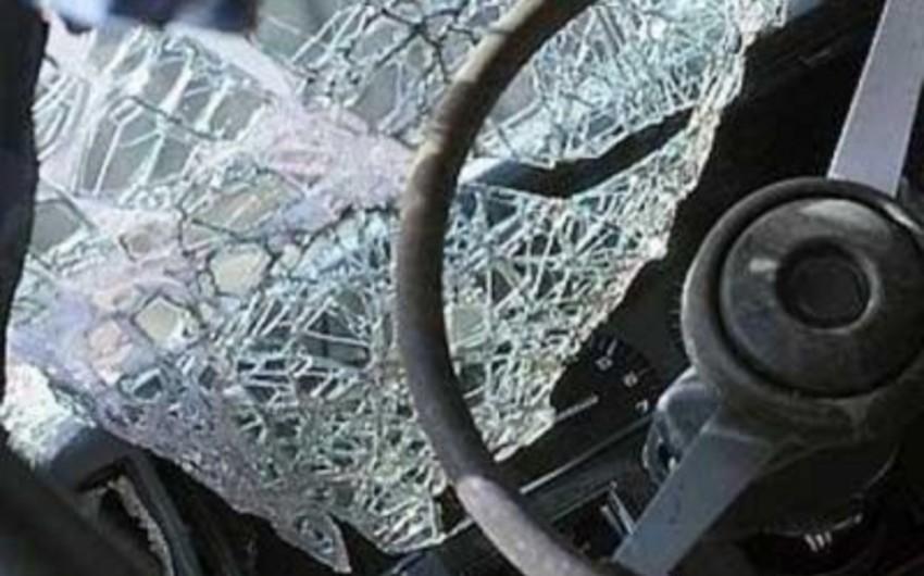 Bakıda avtomobil ana və qızını vurub, onlardan biri ölüb