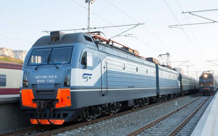 Обсуждается возобновление железнодорожного сообщения между Баку и Тбилиси