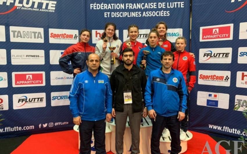 Azerbaijani female wrestlers claim three medals in France