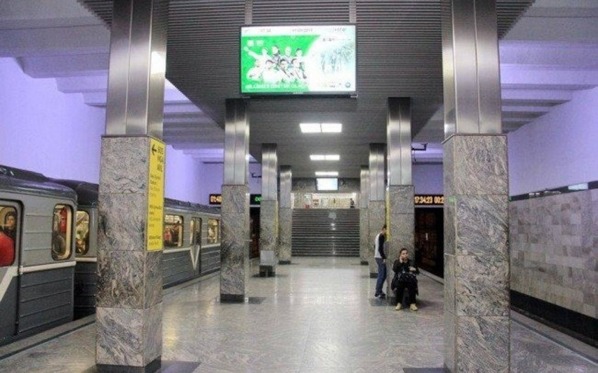 Пассажиры бакинского метро недовольны работой мониторов, вопрос взят под контроль