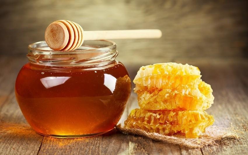 Azerbaijan negotiates honey exports to Arab countries