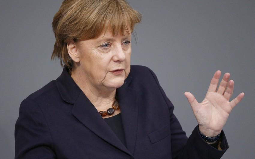 Merkel: Qaçqınlar hansı Avropa ölkəsində qalacaqlarını özləri seçməməlidirlər
