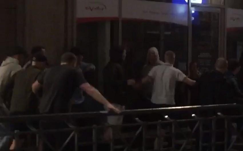 Группа английских болельщиков напала на российских фанатов в Лилле