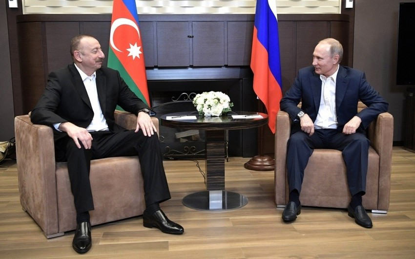 Putin Ermənistanın baş nazirini Azərbaycan Prezidenti ilə tanış edib