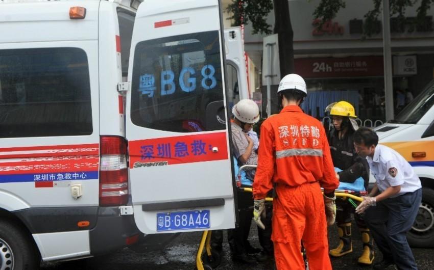 Çində yaşayış binası uçub, ölənlər və yaralananlar var