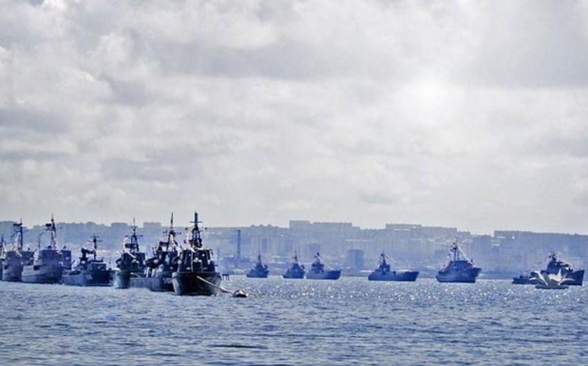 Rusiyanın 20-dən çox döyüş gəmisi Xəzər dənizində təlimlərə başlayıb