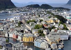 Norway to lift travel restrictions in 3 stages